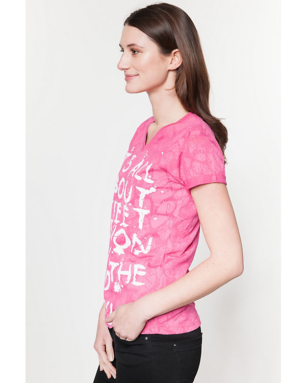blue T-Shirts pink