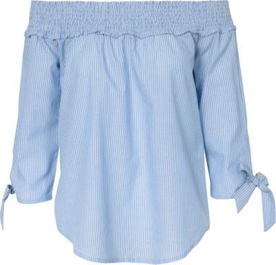 In der Schule dürfen wir keine kurzen Röcke oder Röhrenhosen für unsere Sicherheit tragen.